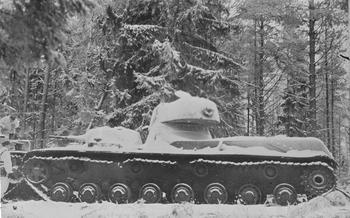 Экспериментальный советский танк: финны свинтили крышку люка