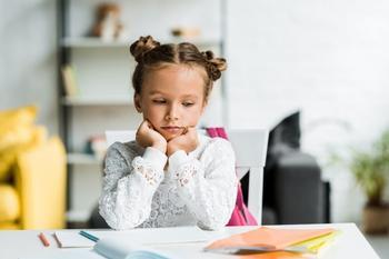 Что делать родителям, когда школа вынуждает их учиться с детьми