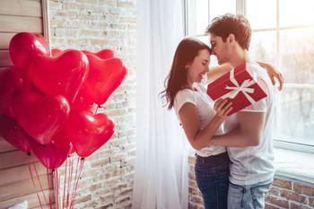7 вещей, которые заставляют мужчину влюбляться в вас снова и снова