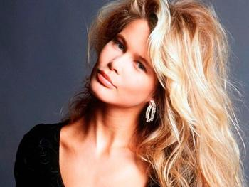 Супермодели 1990-х: О чем Клаудиа Шиффер не любит вспоминать в свои 47