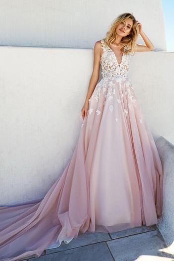 Шикарные вечерние платья 2022