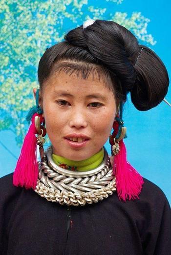 Самые необычные наряды народов мира