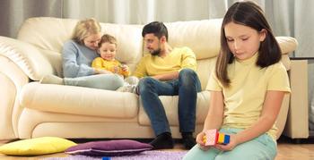 Как справиться с детской ревностью?