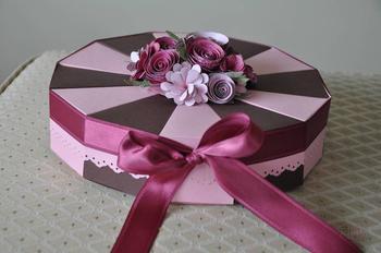 Торт из бумаги и картона с пожеланиями и сюрпризом