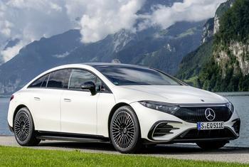 Mercedes EQS 2022: ультрасовременный электрический лифтбек с большим потенциалом