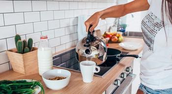 Можно ли кипятить воду в чайнике несколько раз