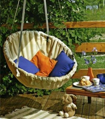 Идеи для садовых качелей
