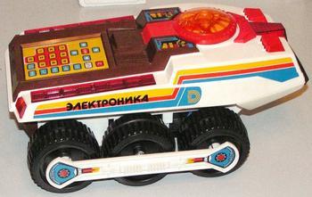 Легендарные игрушки в СССР, способные увлечь на несколько часов даже взрослых