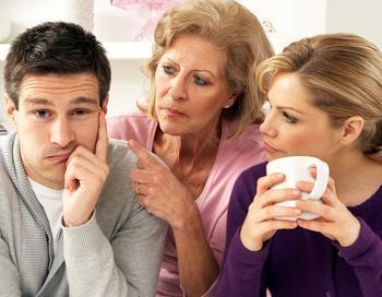 5 причин перерезать связи с токсичными родственниками