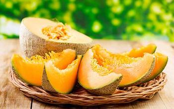 Дыня: польза и вред для здоровья, лечебные свойства и противопоказания