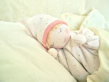 Как своими руками сделать куклу для малыша?