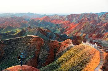 Чудо природы: разноцветные горы Китая