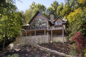 Полная реконструкция трехэтажного дома в горах