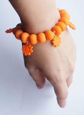 Красивый женский браслет из полимерной глины