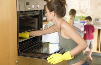 Как очистить духовку от застарелого жира