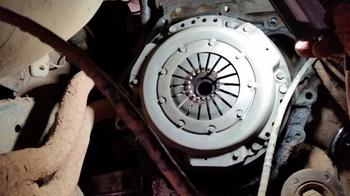 7 ошибок водителя, которые ускоряют выход из строя механической коробки передач