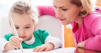 В чём опасность гиперопеки над детьми?