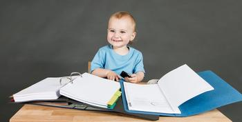 Как выписать ребенка из квартиры и прописать в другую?