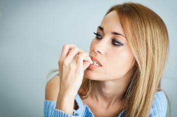 10 вредных привычек, которые расскажут кое-что о характере своего обладателя
