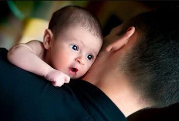 Рождение ребенка и его влияние на зарплату мужчины