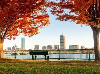 11 чудесных мест, которые можно посетить в ноябре