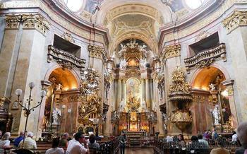 Вена 6. Церковь Святого Петра - одно из самых красивых храмовых сооружений Вены.