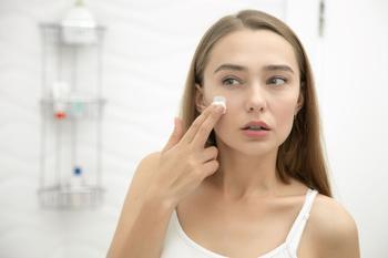 Как избавиться от синяков и мешков под глазами