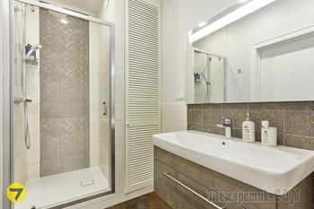 Кухня-гостиная размером с «однушку», кабинет в лоджии и много антиквариата