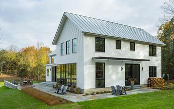 В окружении природы: душевный интерьер фермерского дома в Вермонте