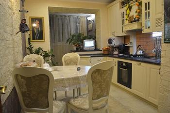 Кухня: расширили за счет подсобного помещения и лоджии