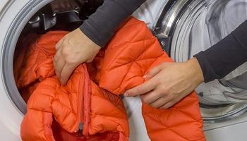 Как правильно стирать зимнюю одежду