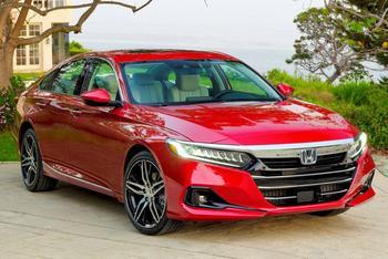 Honda Accord 2021: презентабельный седан с футуристической внешностью
