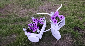 Интересная идея из труб и деревяшек для сада и огорода