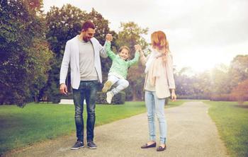 5 маминых фраз, которые сделают ребенка послушным, но одиноким