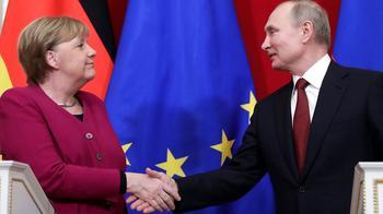 «Идет война, людей убивают»: о чем Меркель говорила с Путиным