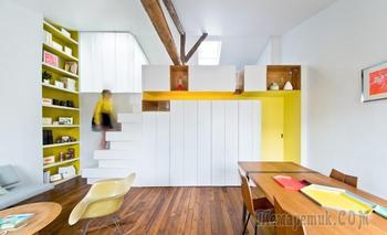 Парижская квартира 72 м² с очень необычной лестницей и вертикальным садиком
