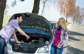 Тревожные звуки под капотом, требующие немедленных действий от водителя