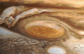 10 интересных фактов о самой крупной планете Солнечной системы