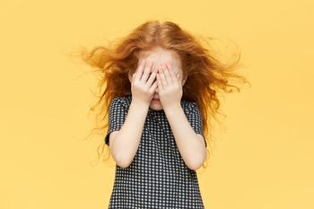Ребенок в лагере эмоциональные трудности: что с этим делать?