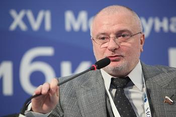 Сенатор Клишас объяснил включение неспециалистов в рабочую группу по правкам Конституции