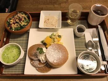 Женщина была шокирована едой в обычной японской больнице и опубликовала эти шедевры в сети