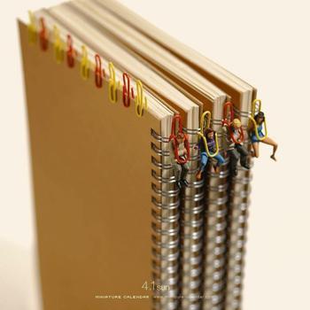 Японский художник в течение 7 лет каждый день создаёт миниатюрные диорамы