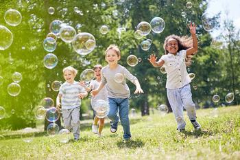 Дети, которые выросли в тепле и ласке, будут более успешными в жизни