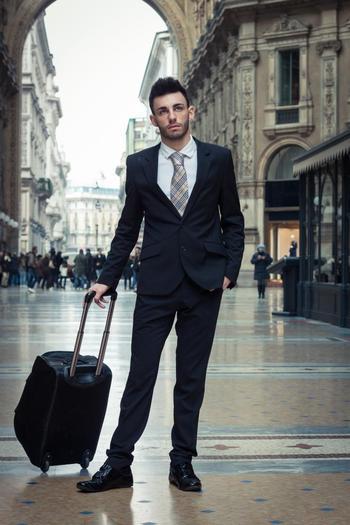 Как уехать за границу: условия и необходимые документы, советы