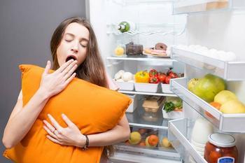 Спать и худеть: ученые назвали продукты, которые сжигают жир во сне