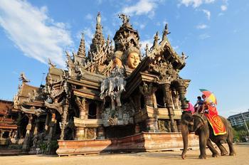 Деревянный Храм истины в Паттайе, Таиланд