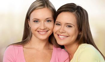Взрослая дочь молодой мамы: границы интимности