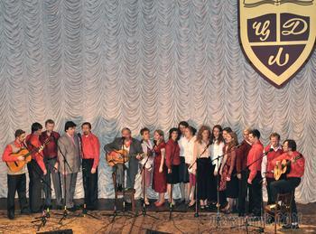"""В этот день 10 лет назад... Из архива. Вечер """"Русские песни: вчера, сегодня, завтра..."""". Поёт студия А. Васина-Макарова. 17 апреля 2011 г. Центральный Дом литераторов"""