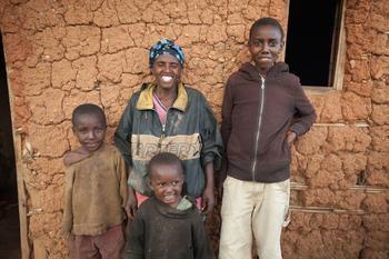 Посмотрите, как живут богатые и бедные семьи со всего мира