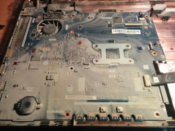 Как очистить ноутбук от пыли и заменить термопасту